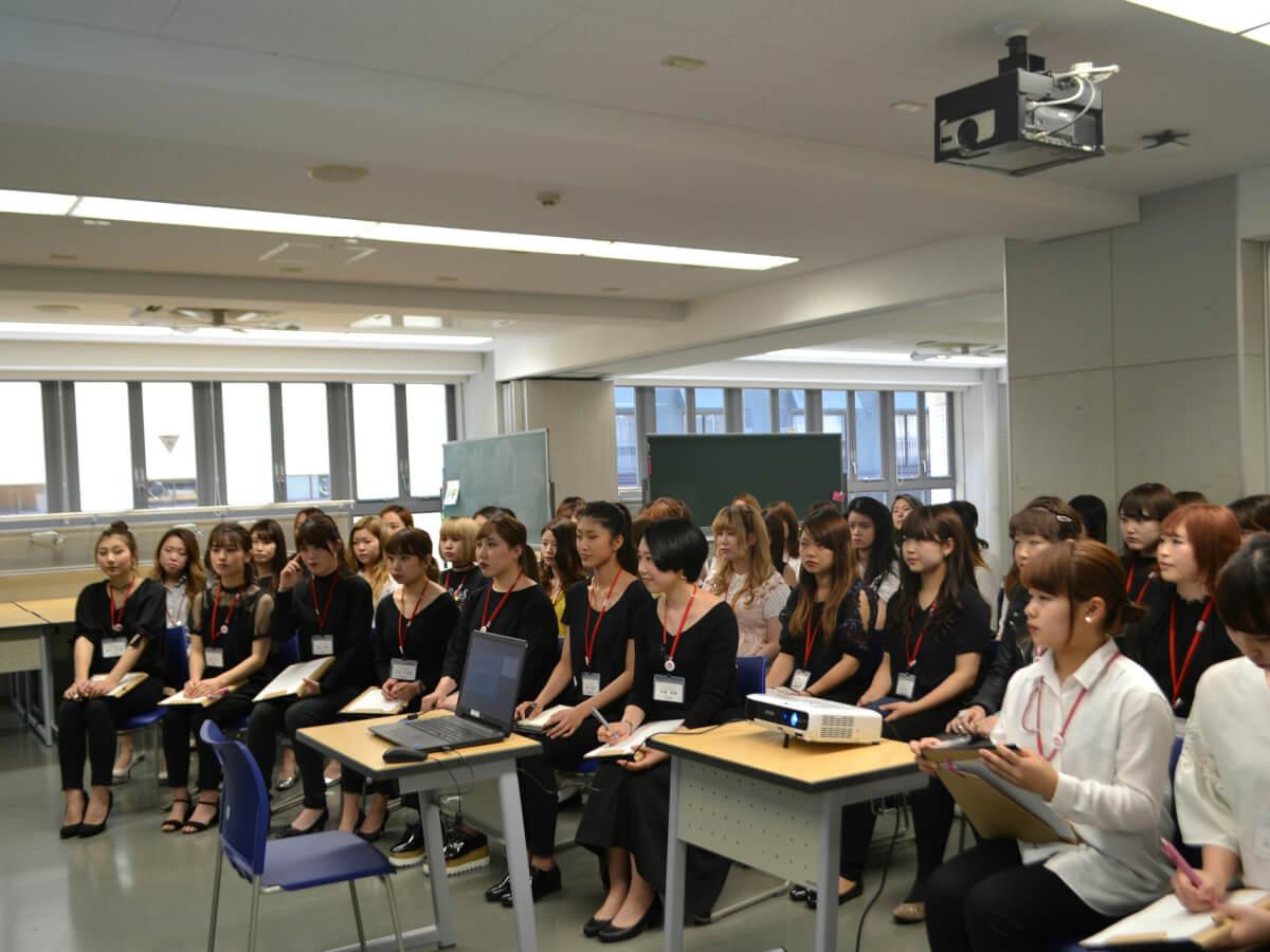 神戸ベルェベル美容専門学校画像