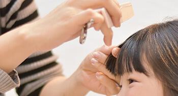 美容科実習_前髪カット02